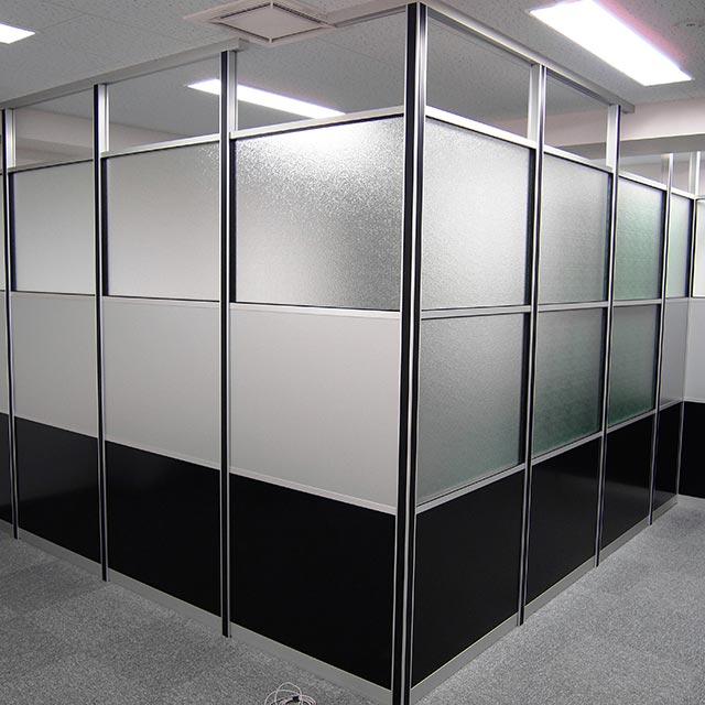 ミーティングルーム・会議室のガラスパーテーション・間仕切り工事の施工事例004